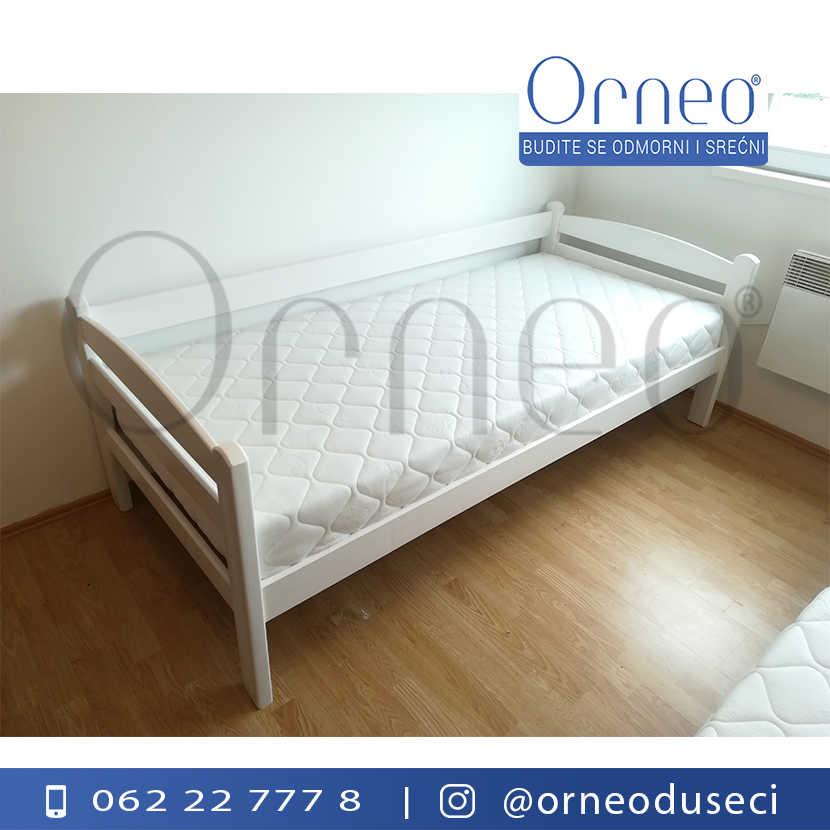 orneo-krevet-lucna-sofa-u-beloj-boji-i-dusek-superior-koko